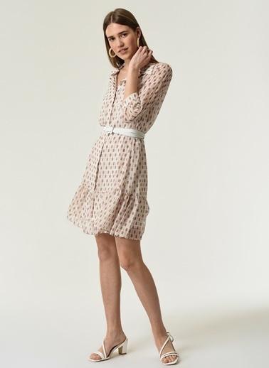 NGSTYLE NGSTYLE Kadın Geometrik Desenli Katlı Gömlek Elbise Bej